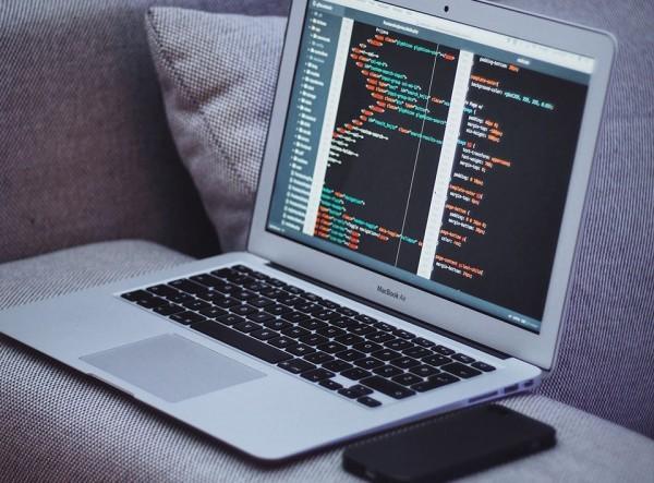 Perché sviluppare il vostro prossimo sito usando Bootstrap 5